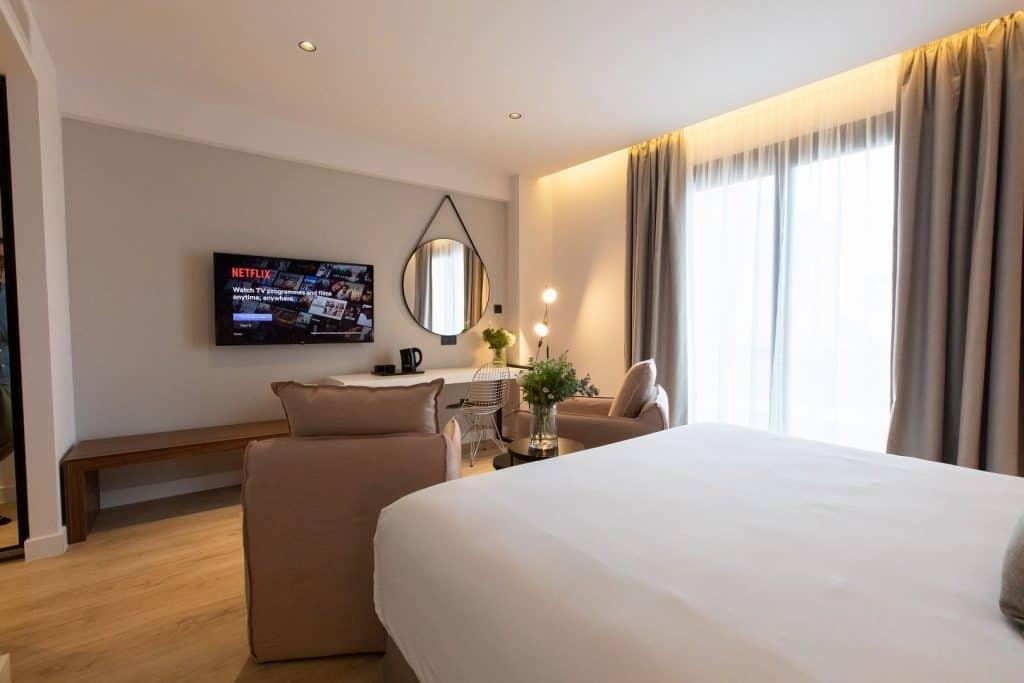 Old-Port-Hotel-Limassol-Superior-Suite (3)