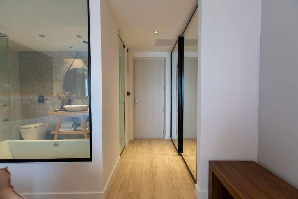 Old-Port-Hotel-Limassol-Superior-Suite (4)